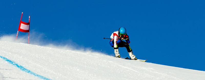 alpine skier starting run