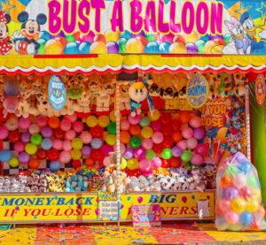 burst a baloon fair ground game