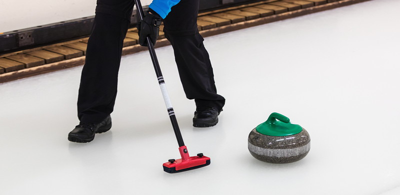 curling sweeper