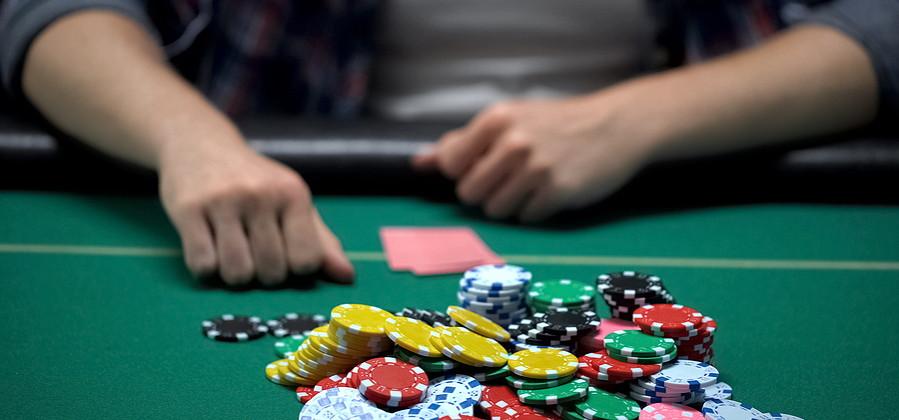 poker player betting