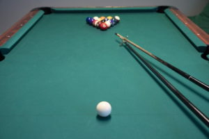 pool table balls and cues