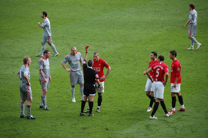 Red Card Man Utd v Liverpool 2009