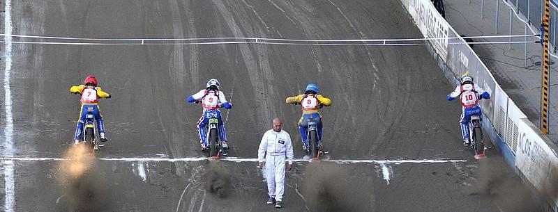 speedway race start