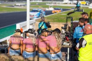 supercar spectators